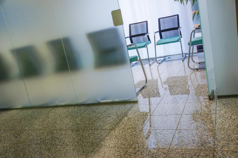 Stühle im Wartezimmer
