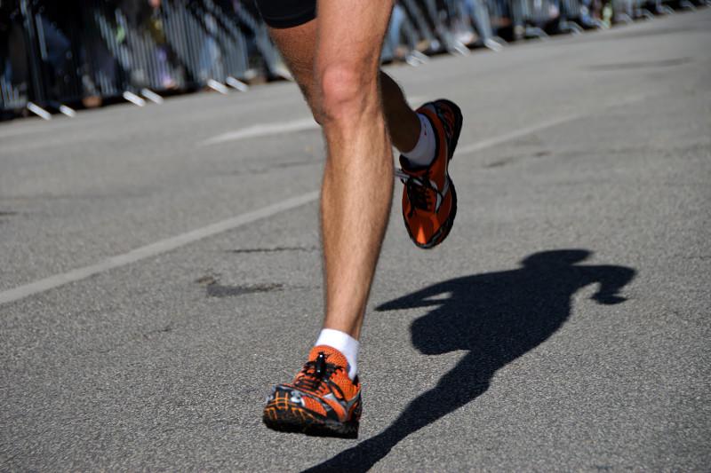 Beine eines Marathonläufers